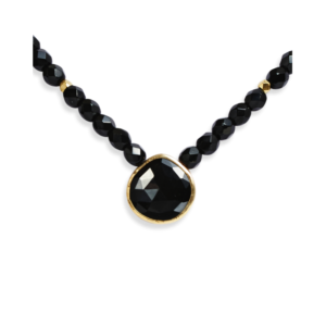 8_necklace_strungstones_blackchalcedony